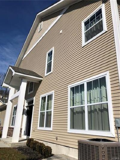 Middletown Single Family Home For Sale: 15 Rosecrest Court
