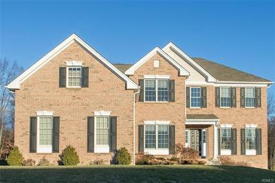 Poughkeepsie Single Family Home For Sale: 143 Ridgeline Drive