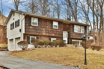 Single Family Home For Sale: 545 South Pascack Road