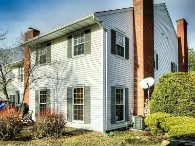 Warwick Condo/Townhouse For Sale: 20 Homestead Village Drive