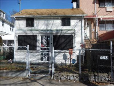 Bronx Single Family Home For Sale: 681 East 219th Street