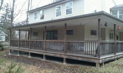 Poughquag Single Family Home For Sale: 98 Greenhaven Road