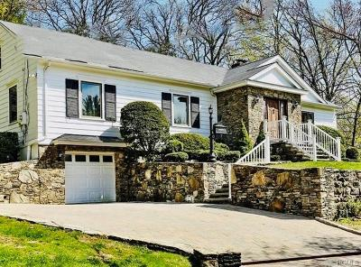 White Plains Single Family Home For Sale: 7 Carrigan Avenue
