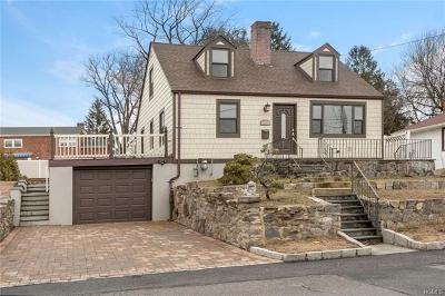 Yonkers Single Family Home For Sale: 150 Roundhill Drive