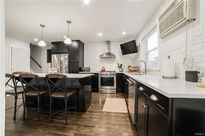 Bronx Single Family Home For Sale: 1119 Throgmorton Avenue