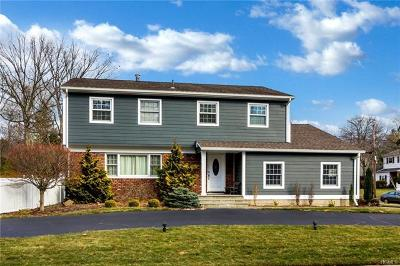 Single Family Home For Sale: 1 Crabapple Lane