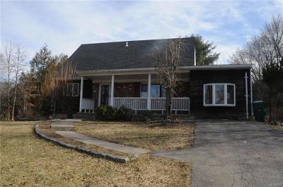 Goshen Single Family Home For Sale: 3 Beechwood Drive