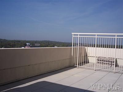 New Rochelle Condo/Townhouse For Sale: 175 Huguenot Street #807