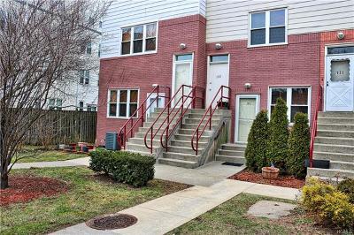 Bronx Condo/Townhouse For Sale: 103 Fleet Court
