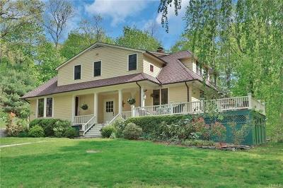 Westchester County Single Family Home For Sale: 2 Heritage Hill Road