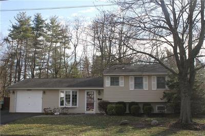Single Family Home For Sale: 112 Parkway Drive