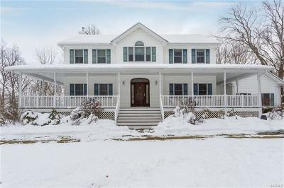 Middletown Single Family Home For Sale: 44 Fox Hill Drive