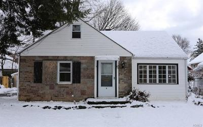 Middletown Single Family Home For Sale: 6 Sunnyside Avenue