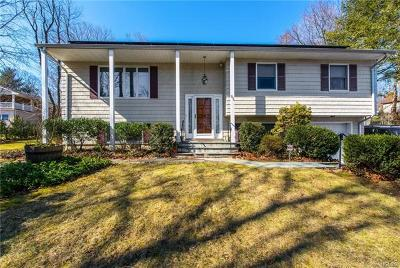 White Plains Single Family Home For Sale: 250 Knollwood Road