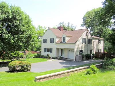 Nyack Single Family Home For Sale: 207 Foss Drive