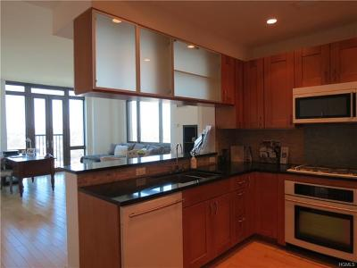 New Rochelle Condo/Townhouse For Sale: 175 Huguenot Street #1401
