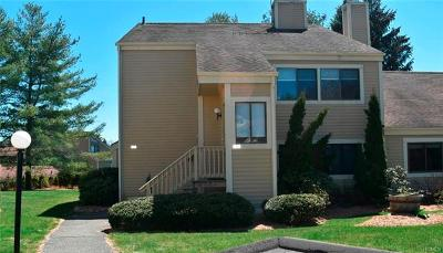Westchester County Condo/Townhouse For Sale: 39 Bittersweet