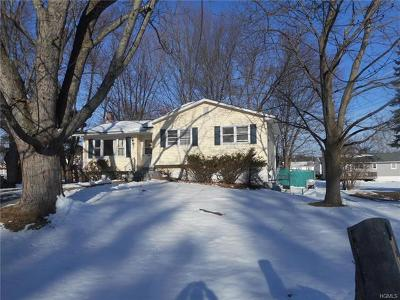 Middletown Single Family Home For Sale: 5 Polly Kay Drive