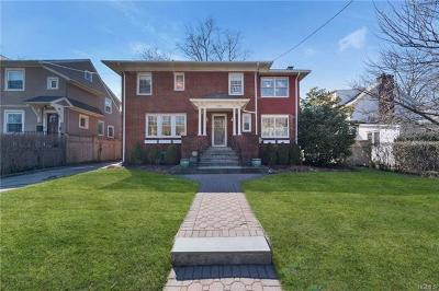 Pelham Single Family Home For Sale: 449 Siwanoy Place