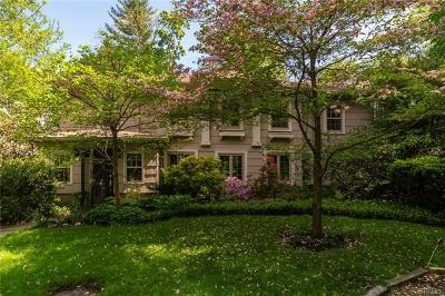 New Rochelle Single Family Home For Sale: 100 Barberry Lane