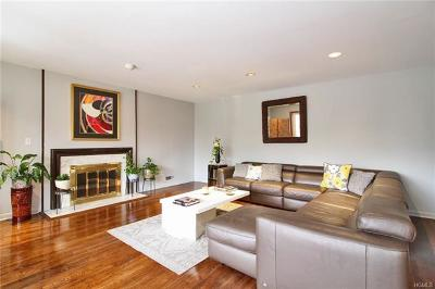 New Rochelle Single Family Home For Sale: 87 Woodlawn Avenue