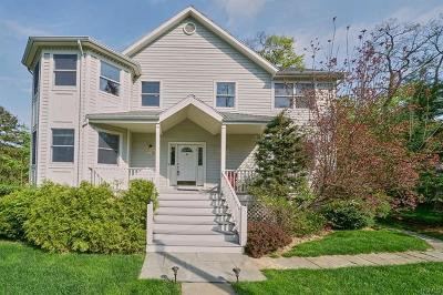 New Rochelle Single Family Home For Sale: 208 Quaker Ridge Road