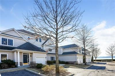 Westchester County Condo/Townhouse For Sale: 804 Half Moon Bay Drive