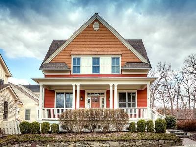Warwick Single Family Home For Sale: 2 White Oak Street