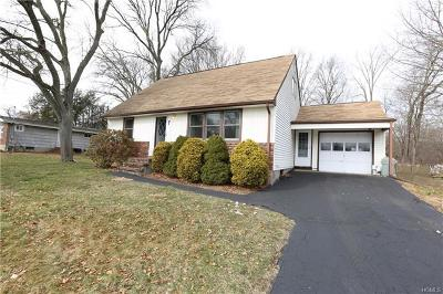 Single Family Home For Sale: 7 Linden Court