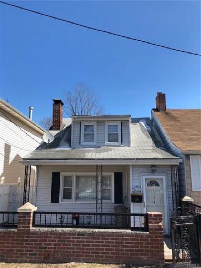 Bronx Single Family Home For Sale: 1136 Edison Avenue