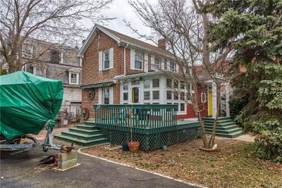 Bronx Single Family Home For Sale: 589 Minnieford Avenue