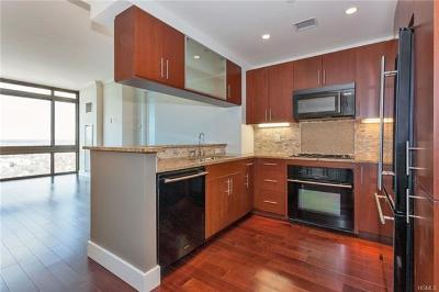 New Rochelle Condo/Townhouse For Sale: 175 Huguenot Street #2604