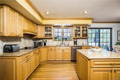 Somers Single Family Home For Sale: 227 Briarwood Drive