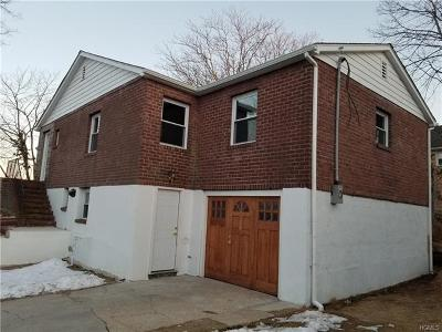 Yonkers NY Single Family Home For Sale: $359,000