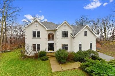 Cortlandt Manor Single Family Home For Sale: 3 Red Oak Lane