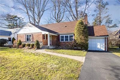 Scarsdale Single Family Home For Sale: 28 Atherstone Road