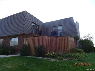 Warwick Condo/Townhouse For Sale: 38 Laudaten Way