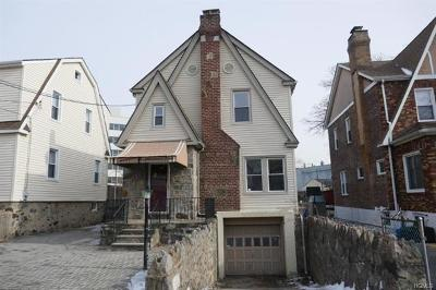 Yonkers NY Single Family Home For Sale: $290,000