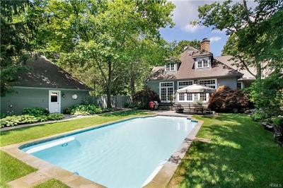 Westchester County Single Family Home For Sale: 90 Old Logging Road