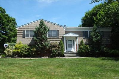 White Plains Single Family Home For Sale: 1 Pomander Drive
