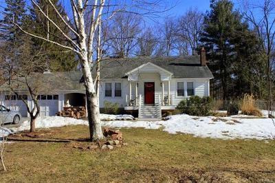 Campbell Hall Single Family Home For Sale: 76 Maybrook Road