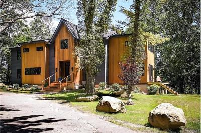 Irvington Single Family Home For Sale: 202 Hermits Road