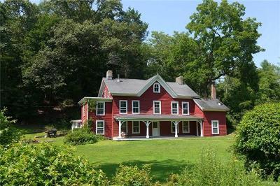 Croton-On-Hudson Single Family Home For Sale: 2224 Quaker Ridge Road