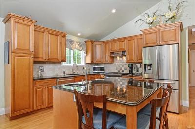 Cortlandt Manor NY Single Family Home For Sale: $600,000