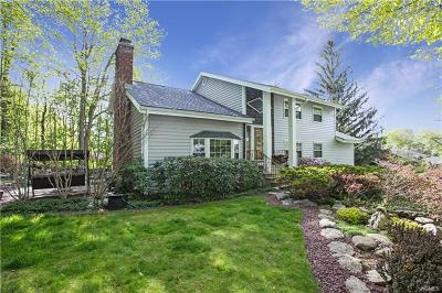 Yorktown Heights Single Family Home For Sale: 1679 Maxwell Drive