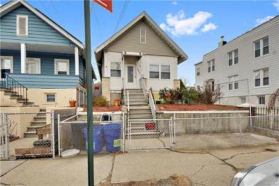 Bronx Single Family Home For Sale: 2846 Waterbury Avenue