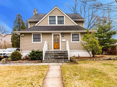 Elmsford Single Family Home For Sale: 14 Robbins Avenue