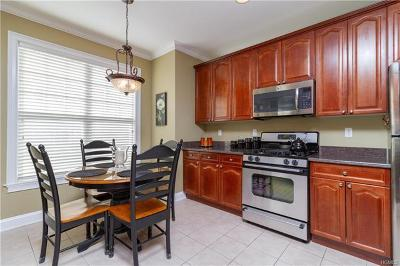 Connecticut Condo/Townhouse For Sale: 33 Maura Lane
