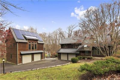 Connecticut Single Family Home For Sale: 20 Obtuse Rocks Road
