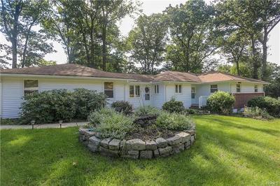 Rockland County Single Family Home For Sale: 15 Oakwood Terrace